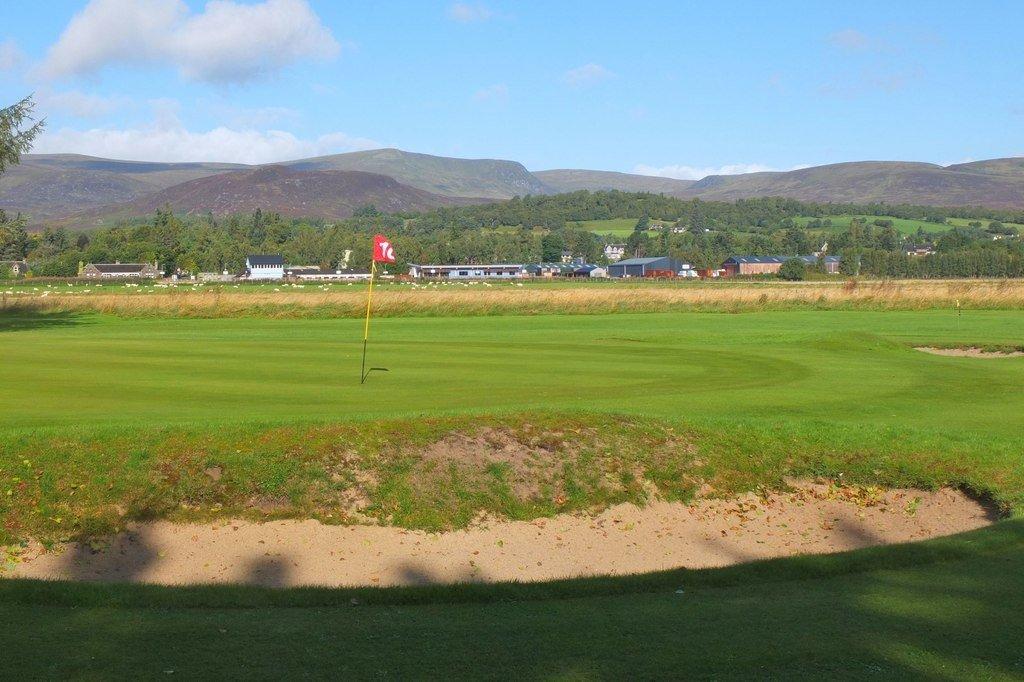Newtonmore-golf-course-copyright-Jim-Barton